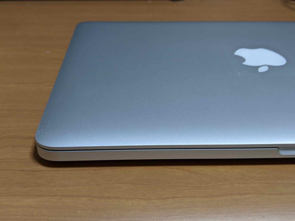 バッテリー膨張を修理後のMacBook Pro